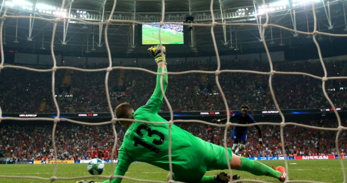 adrian saved penalty for liverpool