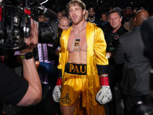 Floyd-Mayweather-vs-Logan-Paul-celebrity-bout-infamous-Yellow-Trunk-US-Today